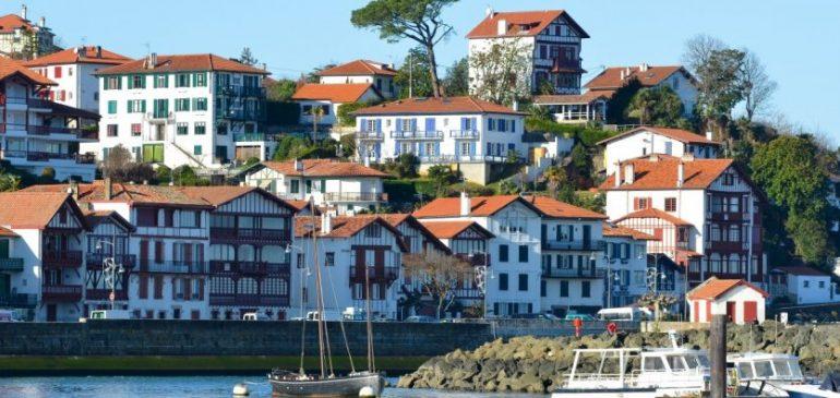 Partez à la découverte des 3 villes phares de la côte basque !