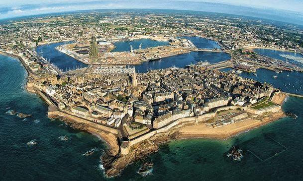 Les trucs et astuces pour passer un voyage pas cher à Saint Malo cet été