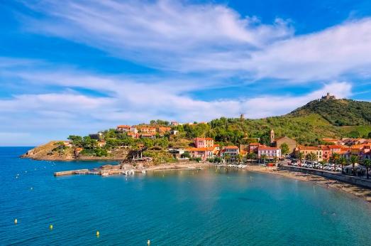 Voyager moins cher à Argelès-sur-Mer : zoom sur le transport et l'hébergement
