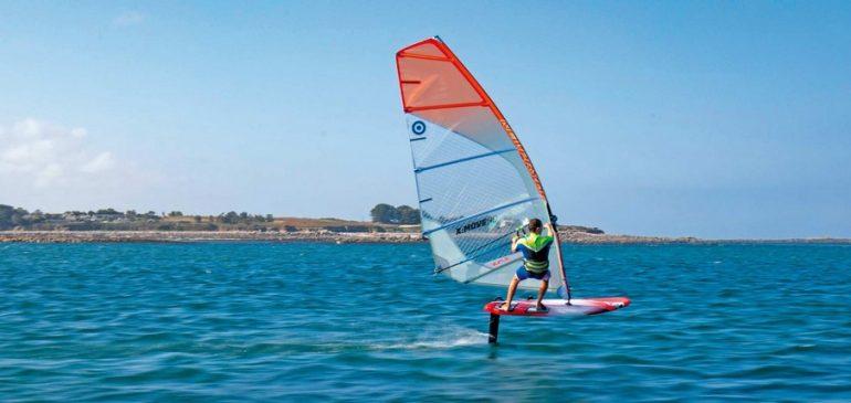 Ce qu'il faut savoir pour apprendre la planche à voile ou windsurf