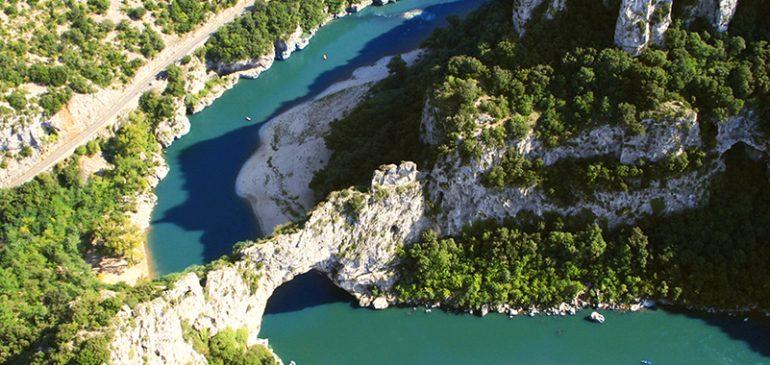 Les 2 plus beaux campings 5 étoiles en Ardèche